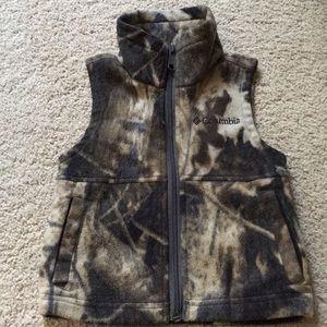 Boys Columbia camo fleece vest
